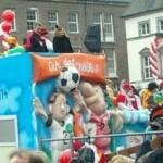Fußball auch in Düsseldorf ein Thema...-Foto: Isa Tönes